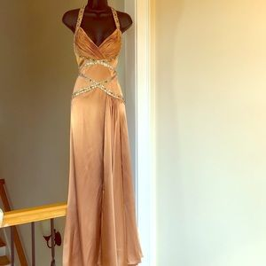 LE GALA by tony bowls sz 6 bronze prom pageant